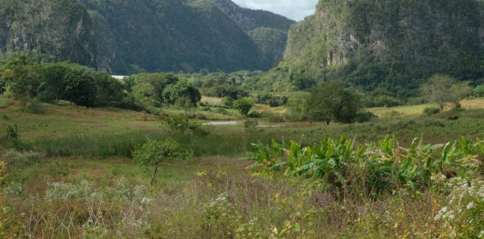 hiking tour in vinales