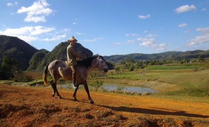 horse riding in vinales valley